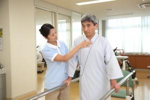 高齢者に多い骨折の手術から退院までのリハビリや流れについてご紹介!  大腿骨頸部骨折をした方必見です!
